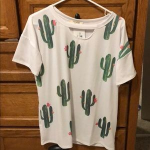 Tops - 🌵Key hole cactus top🌵